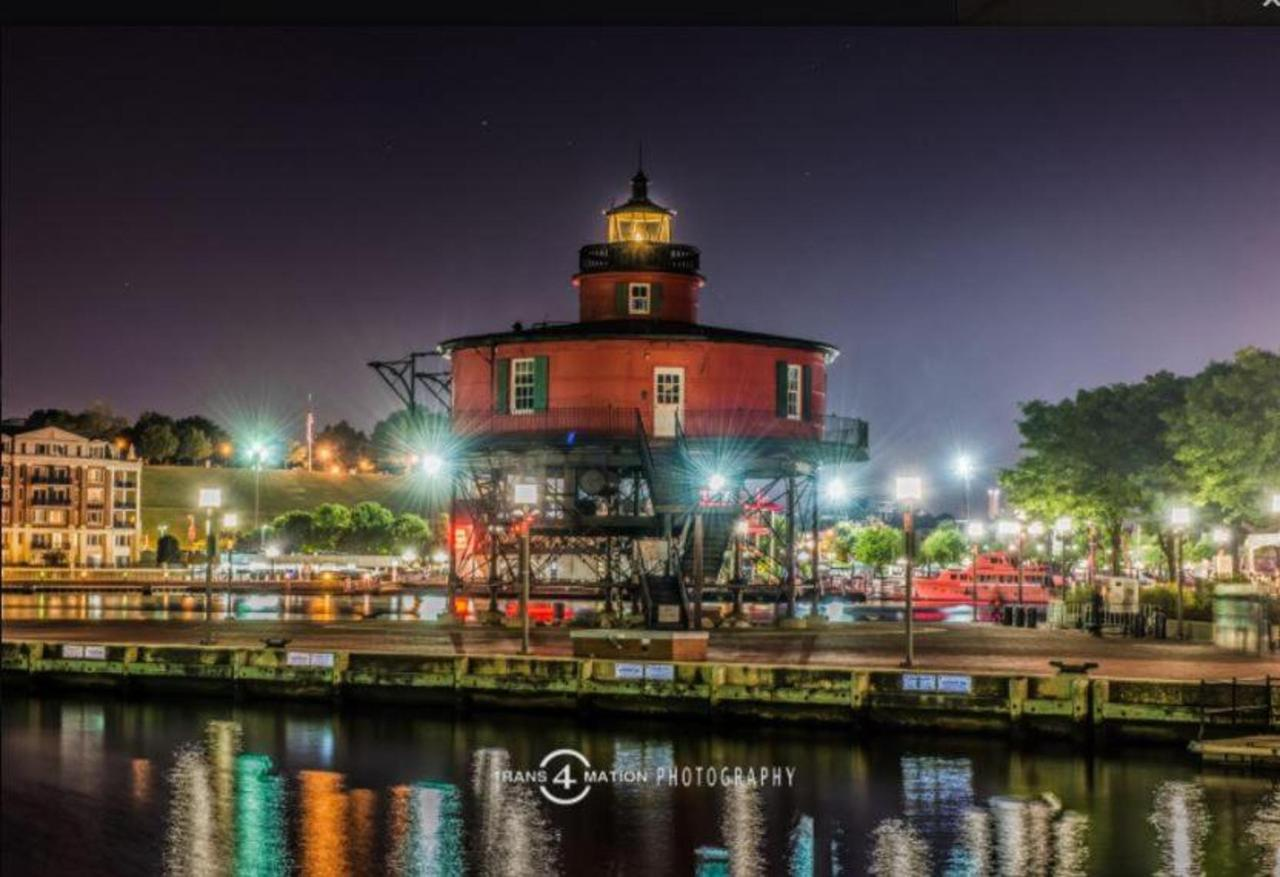 Pier 5 Hotel Lighthouse of Shot Night by Trans4mation Photography.jpg