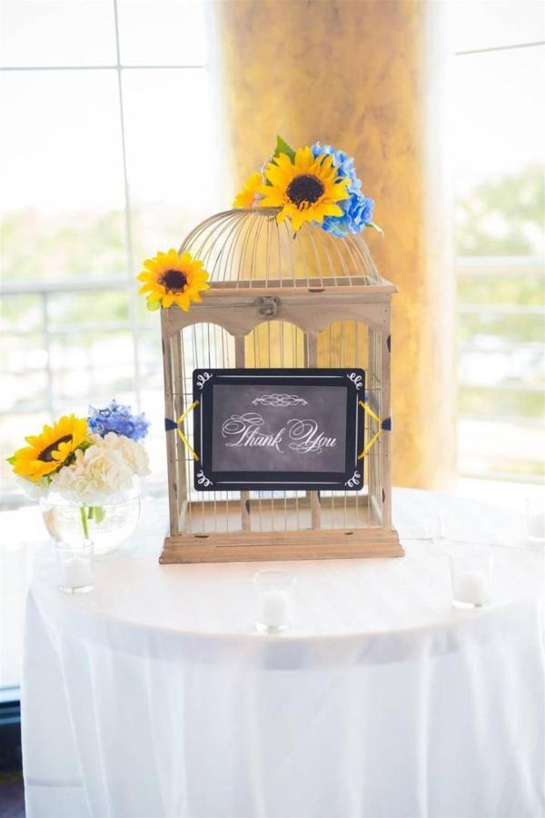 Pier 5 Hotel Wedding Decoration Shot by Photograhy by Brea.jpg
