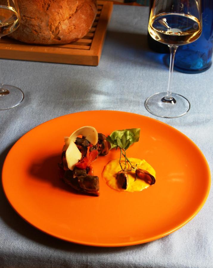 B & B_Villa_Schiticchiu_Taormina_Homerestaurant_08.jpg