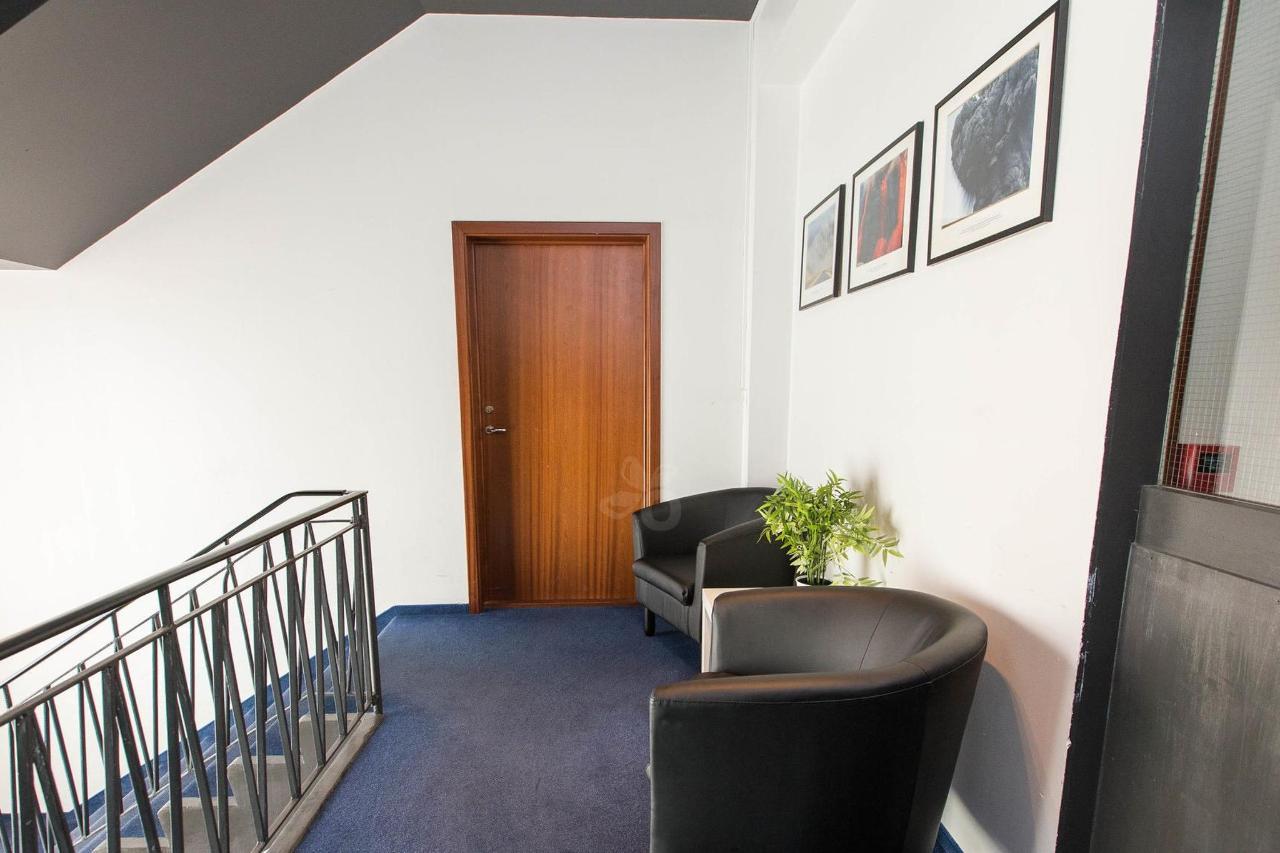 hallways--v17295525-2000.jpg