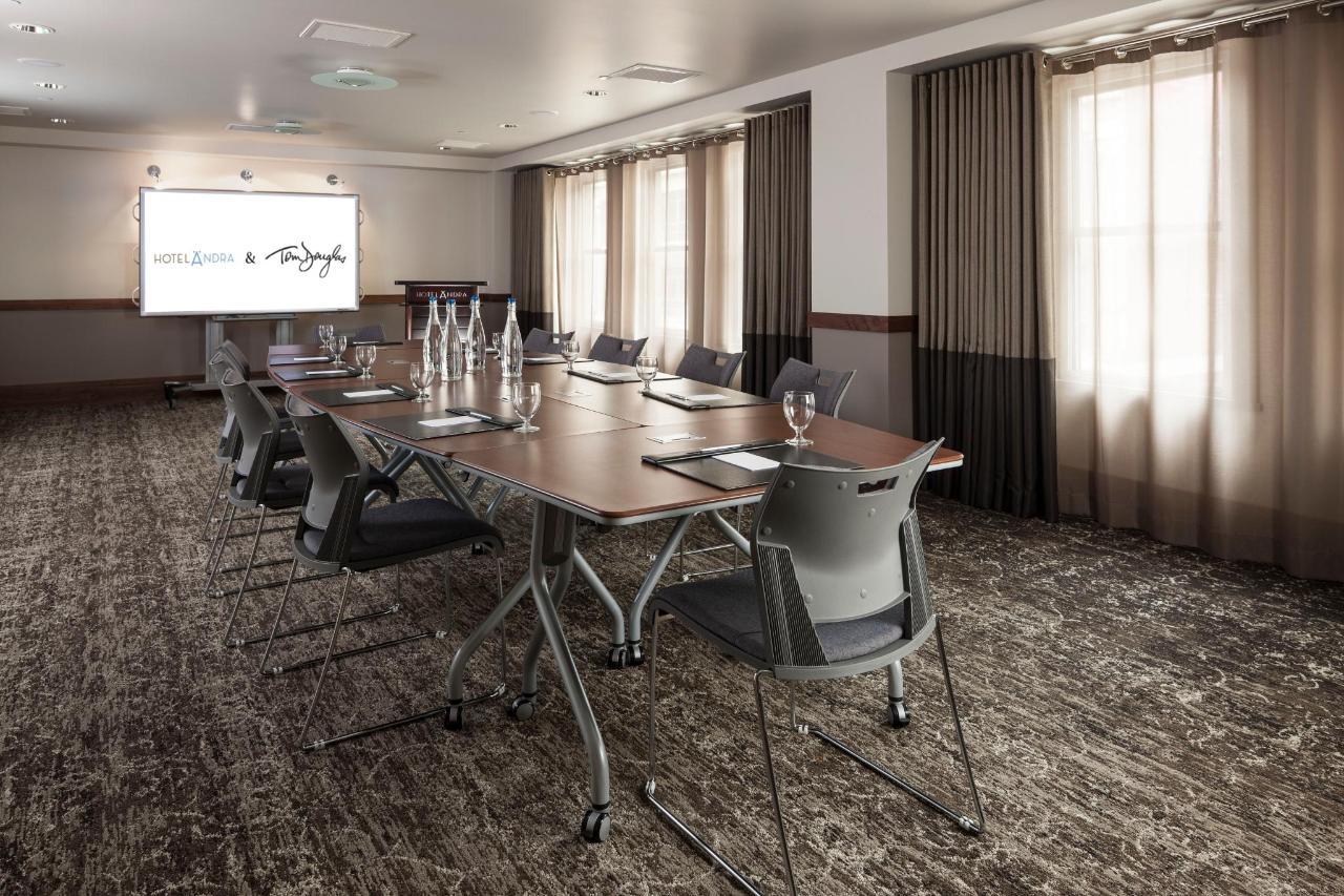 Galleri conference set