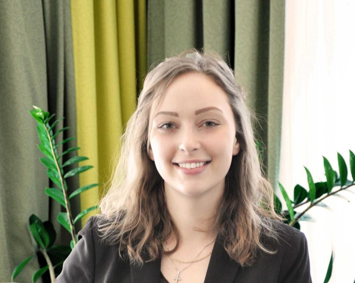 Jaqueline Vogel: Reservation Agentreservation02@rainers-hotel.eu.jpg