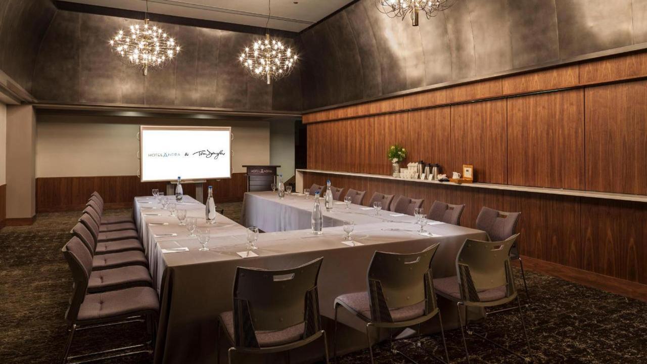 Northern Lights Room U shape meeting set