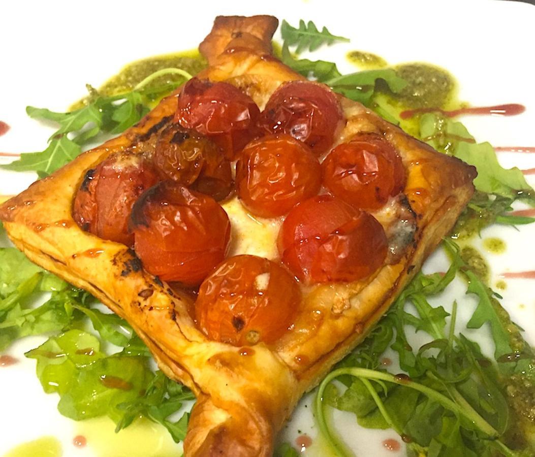 Entrante - Tarta de Tomate Cherry y Queso Cabra