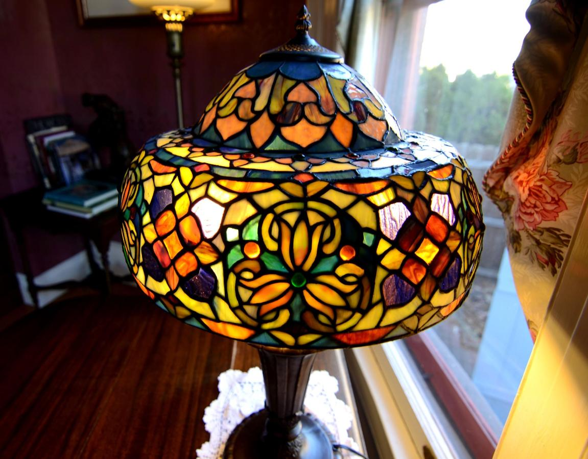 Union Gables Inn Tiffany lamp