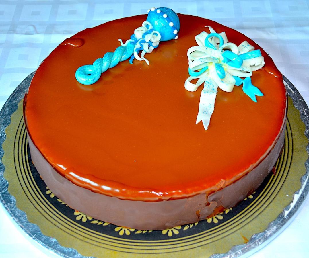 Pastel - Tarta deMousse de Chocolate con Capa de Caramelo