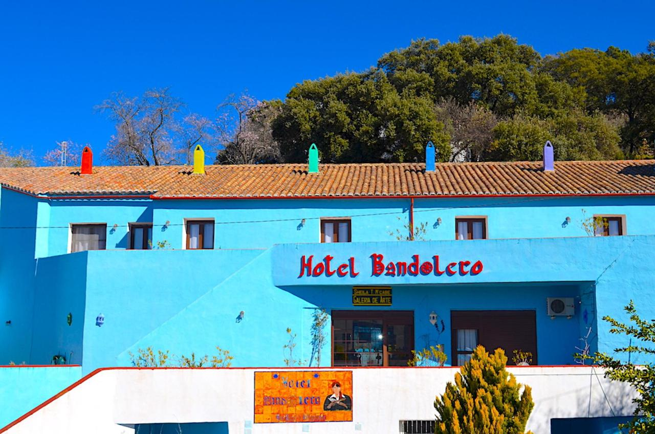 Hotel Bandolero full facade