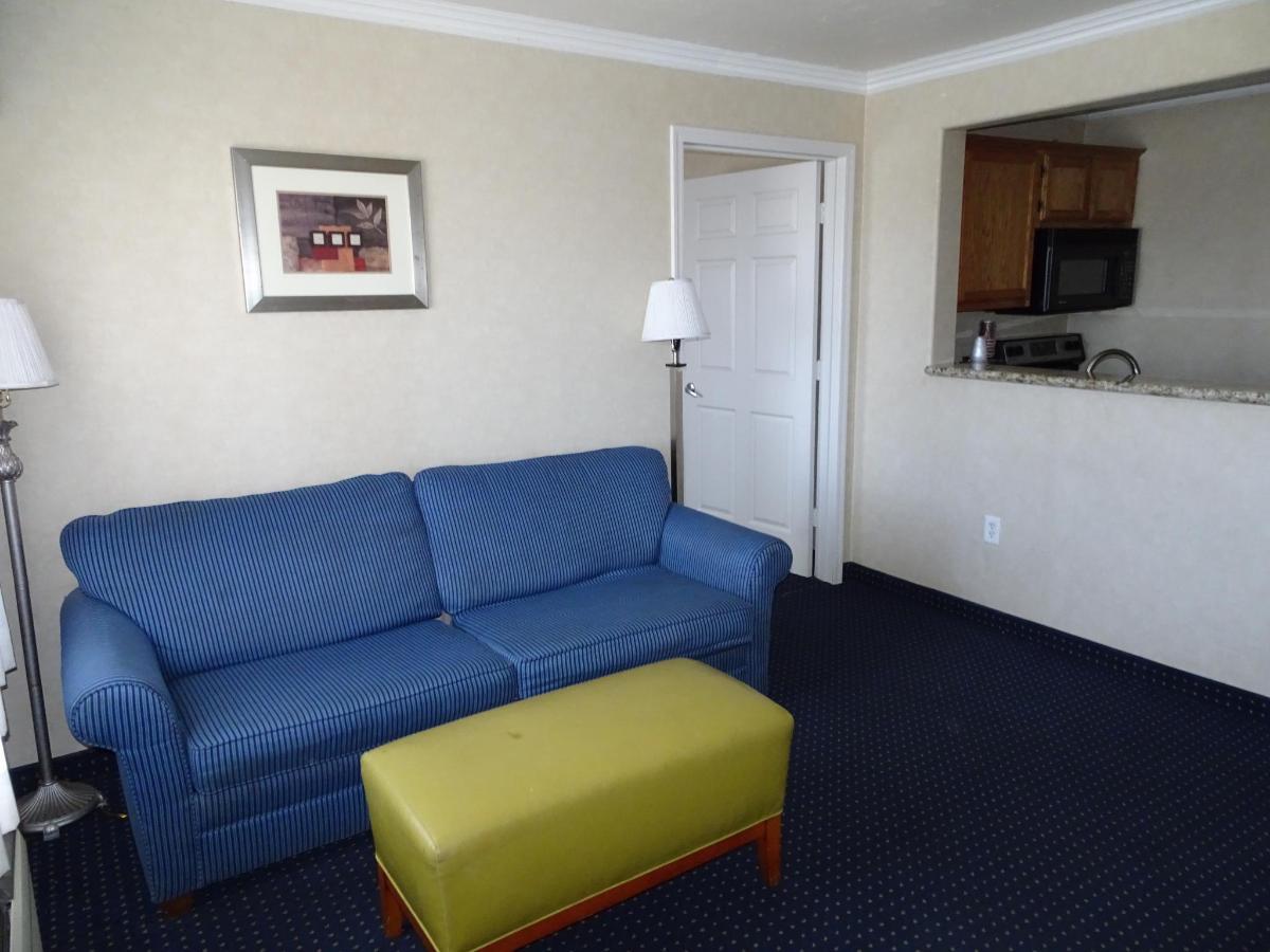 Penthouse Suite2.JPG
