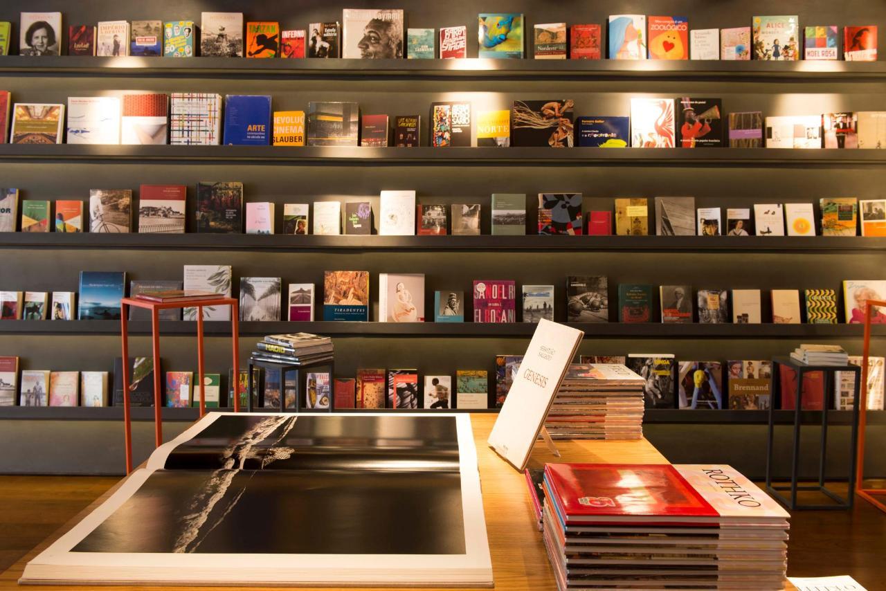 Bookstore4739.jpg