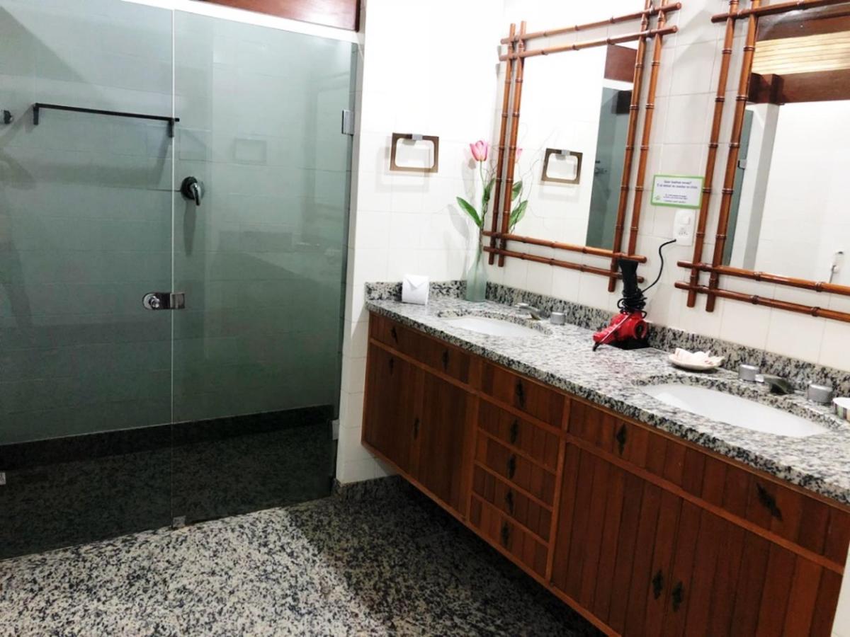 Banheiro uh 04 - 4.jpg
