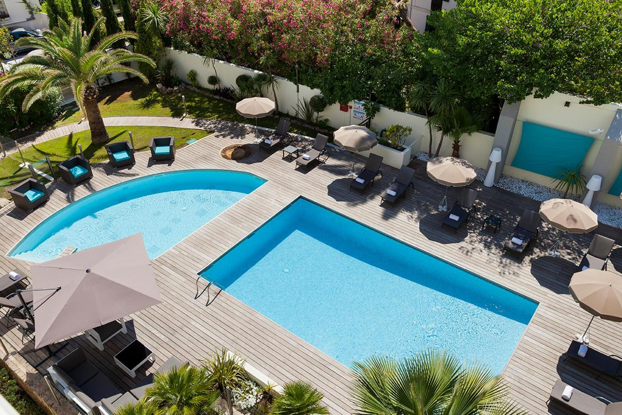 Swimming Pool Clarion Suites Cannes Croisette