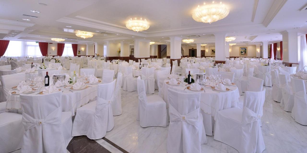 Sala-Receptions-Rossemi-Hotel-Borgo-Celano