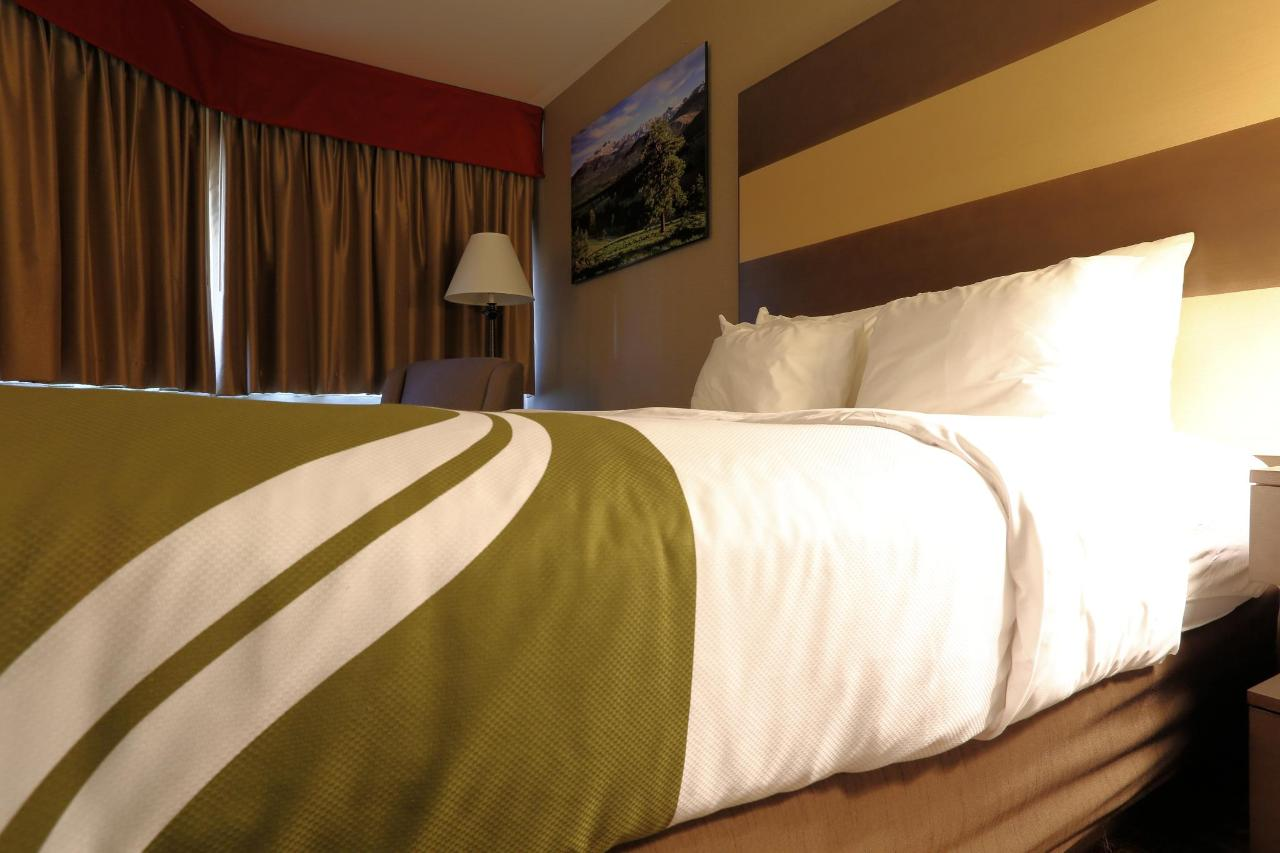 NQQ1 Bed & Chair shot.jpg