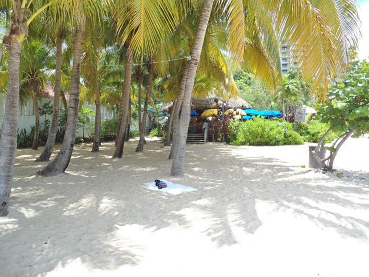 Doctor's Cave Beach2.jpg