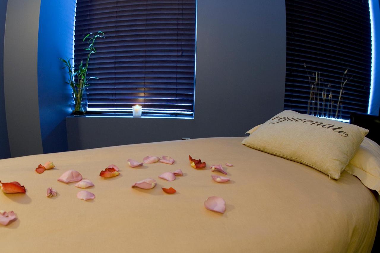 Clarion_Winnipeg_Spa_Treatment_Room.jpg
