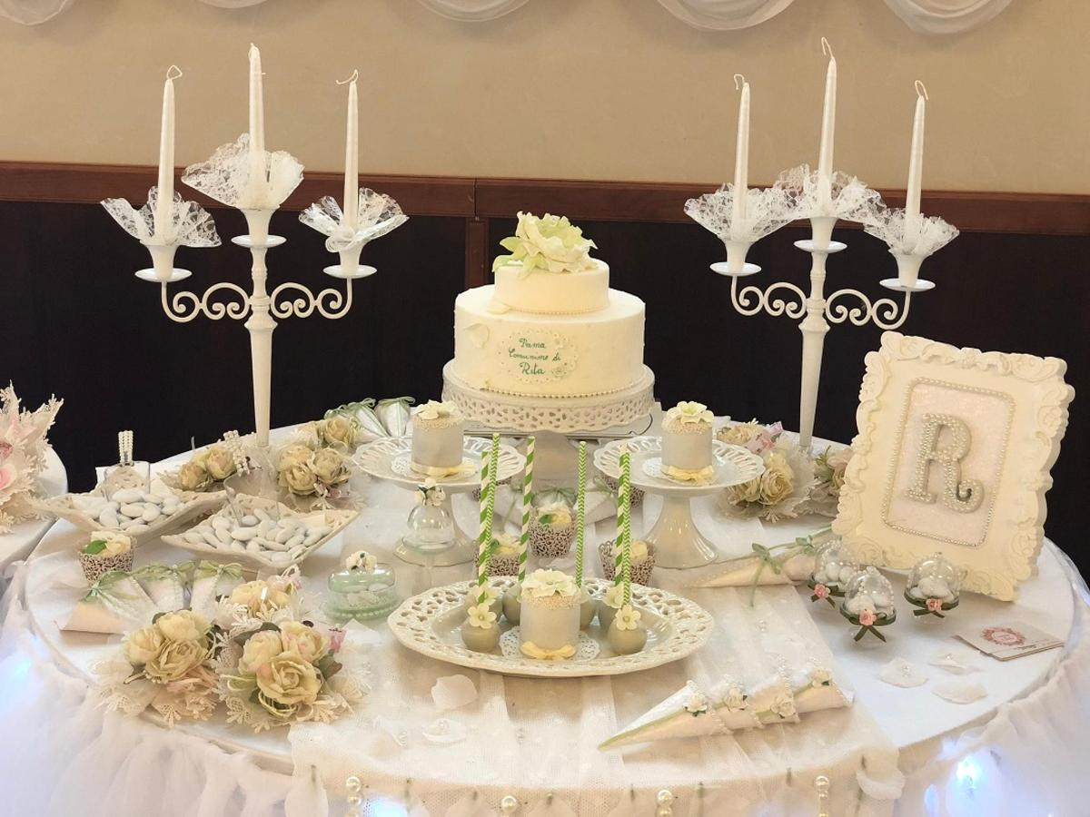 sal-reception-table-cake-customized