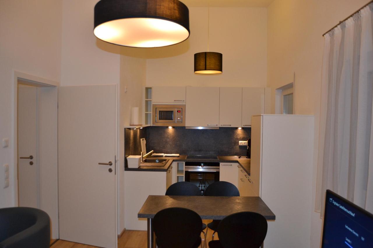 Apartment 121.JPG