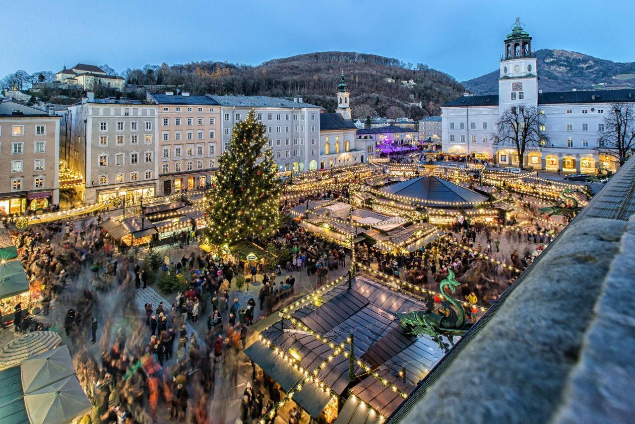 Bożonarodzeniowy jarmark w Salzburgu - Residenzplatz