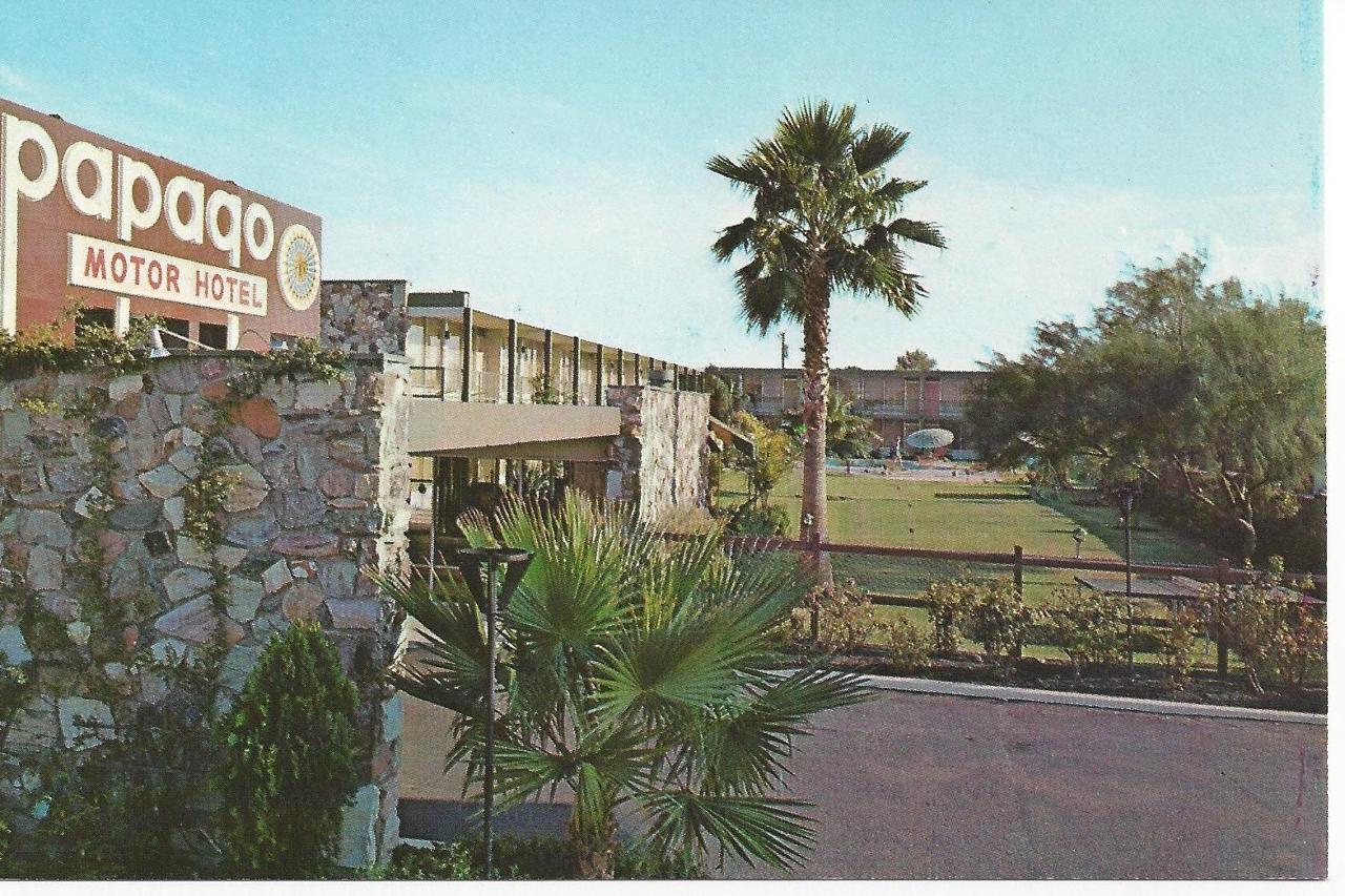 Papago Inn, Scottsdale - Circa 1970.jpg