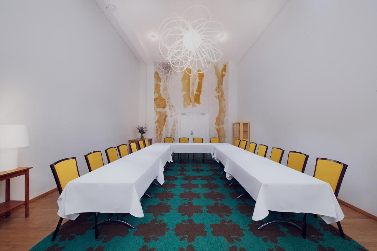 Lloyd Hotel Amsterdam - Yellow U-Shape.jpg