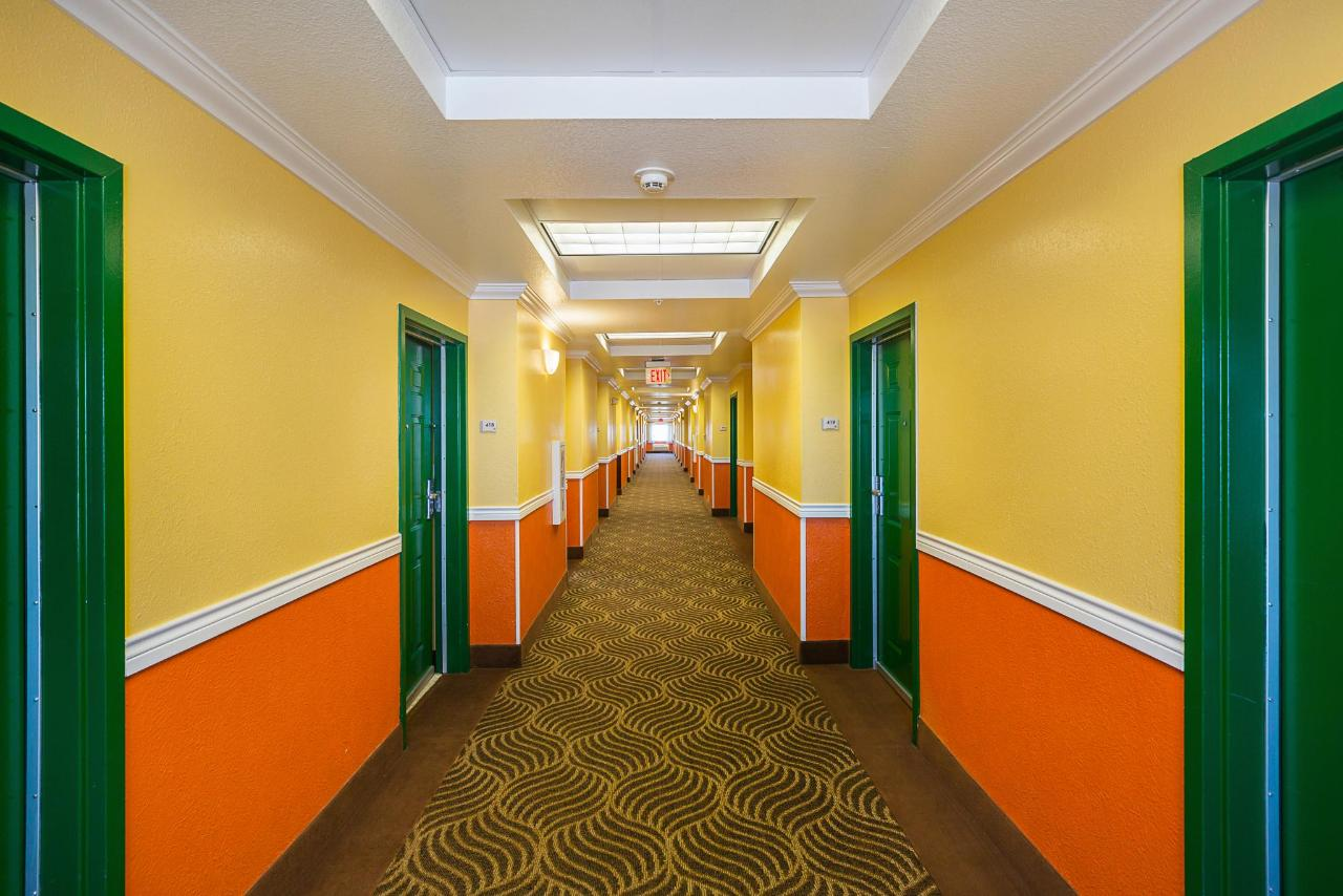Hall.jpg