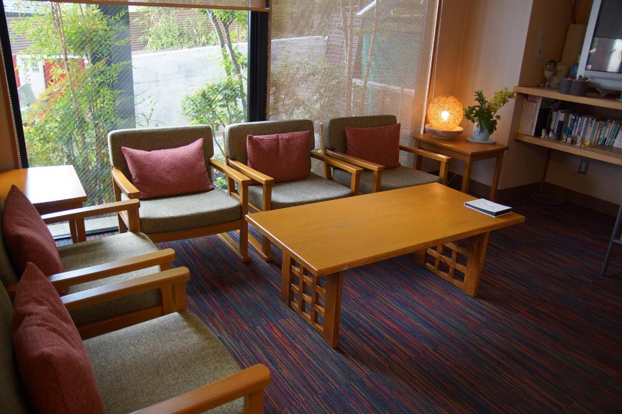 Lobby rest area