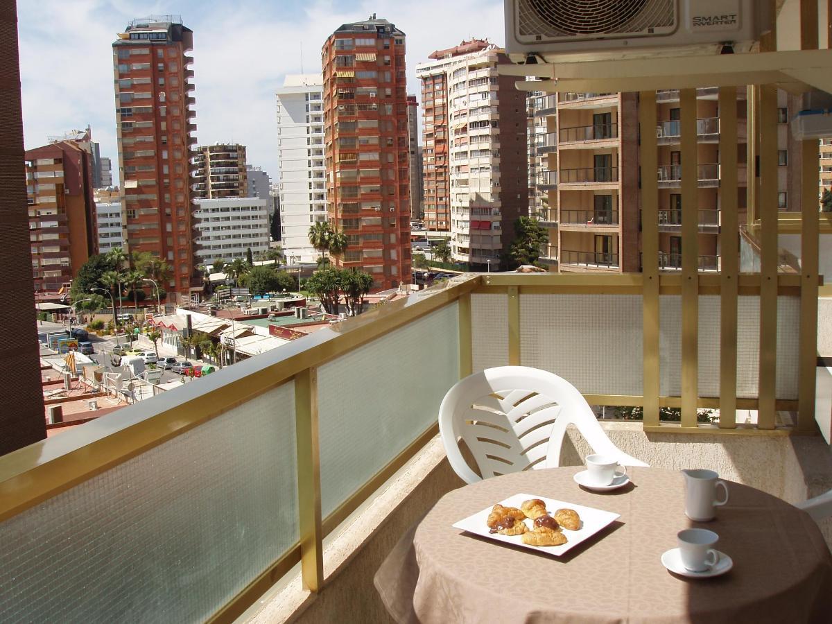 Apartamentos Maria Victoria Playa levante Benidorm.JPG