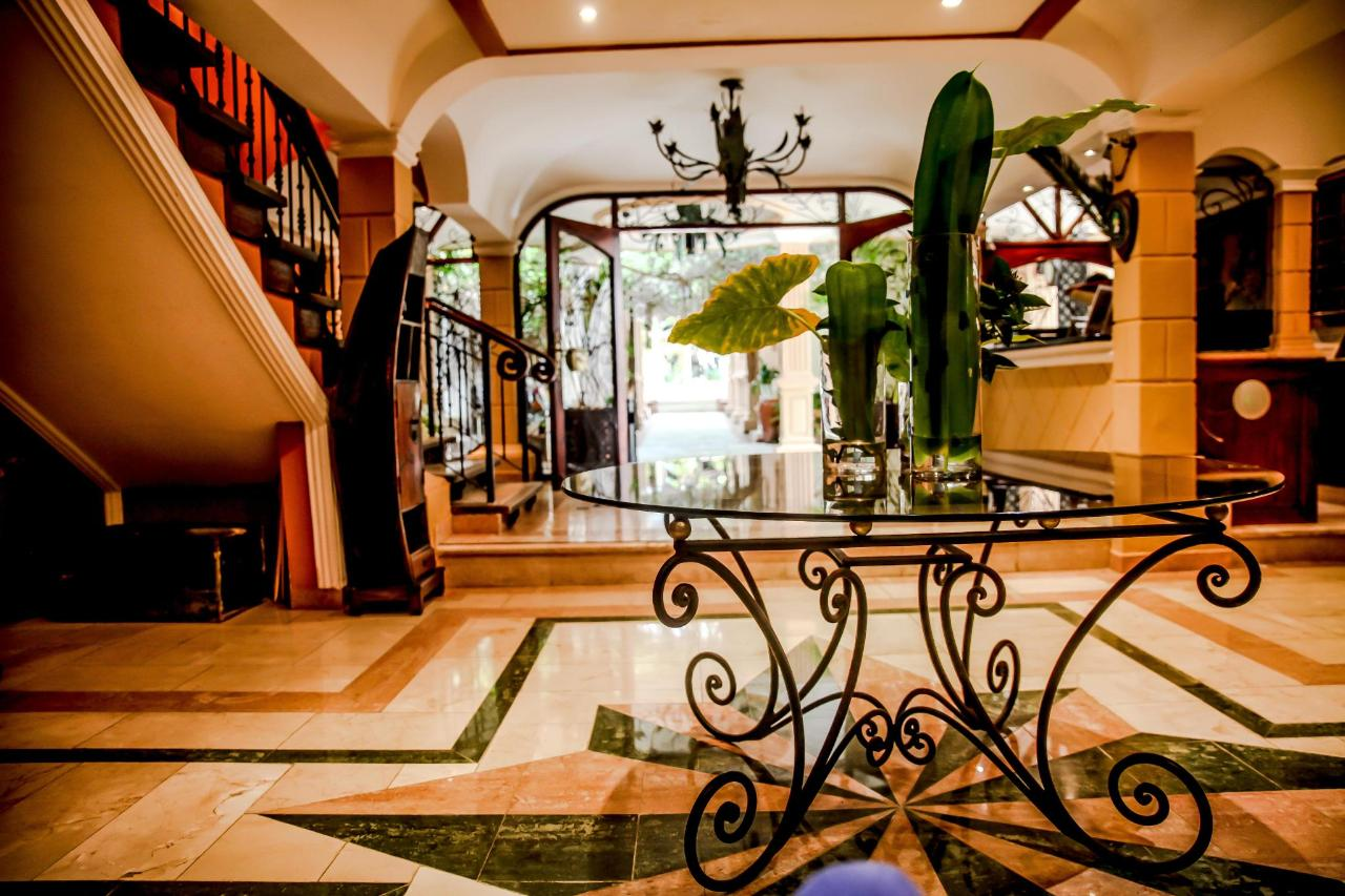 Lobby (6)-min.jpg