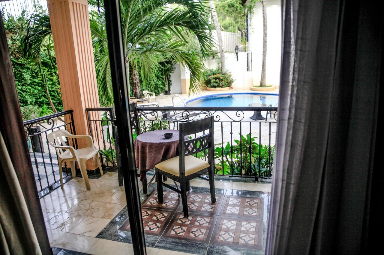 Poolside Terrace (3)-min.jpg