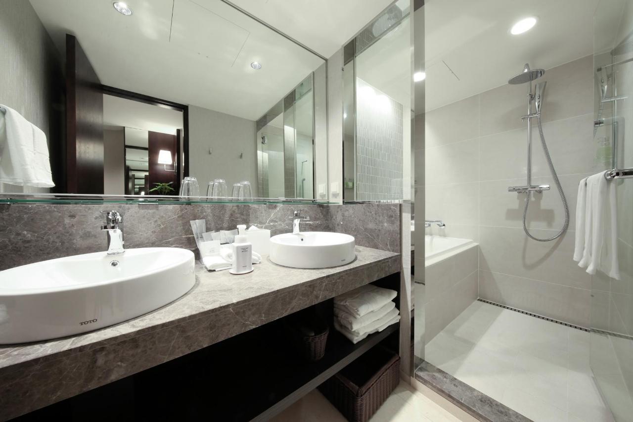 Triple(Bath).jpg