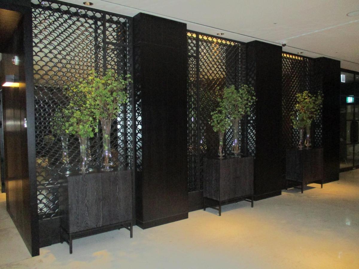 Lobby corridor.JPG