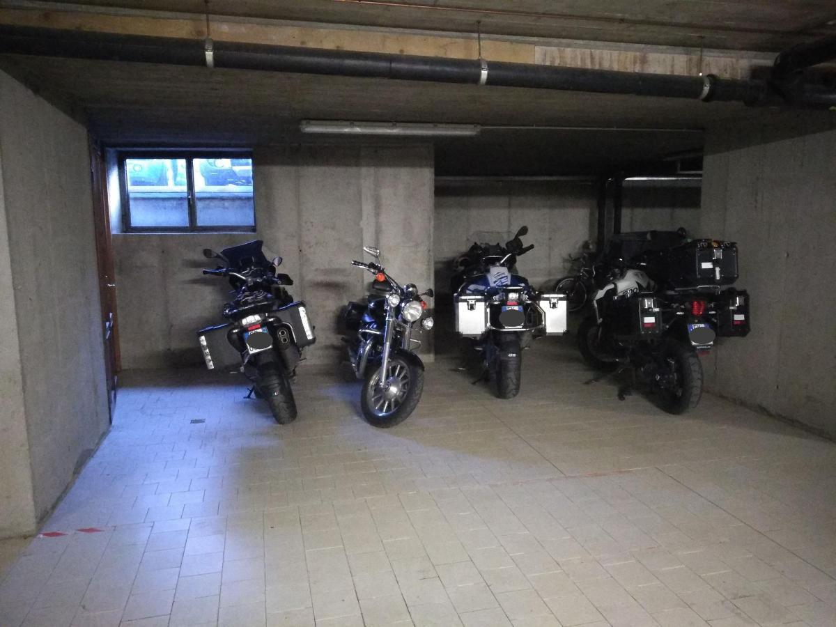 Moto in garage.jpg