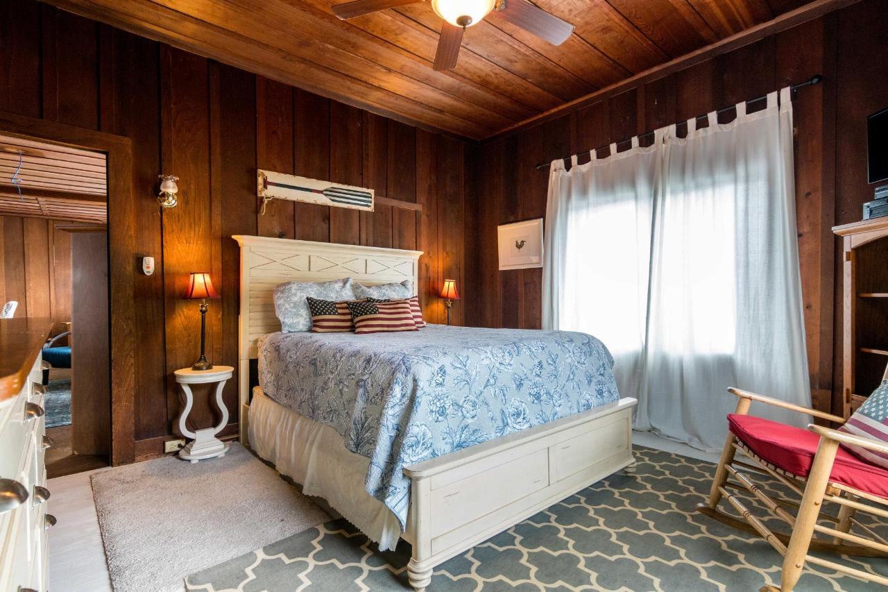 La Jolla Haven Guest Bedroom 2.jpg