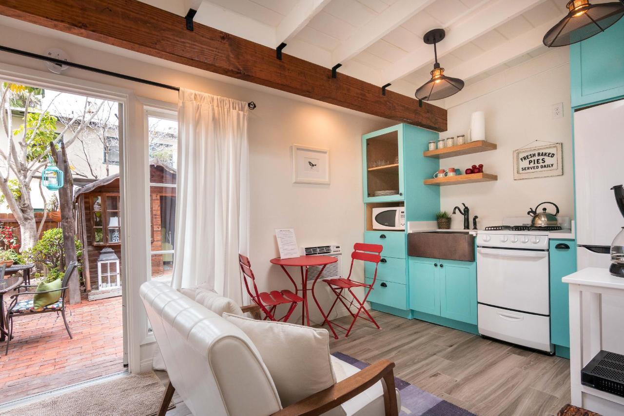 Prospect Cove Living Room 2.jpg