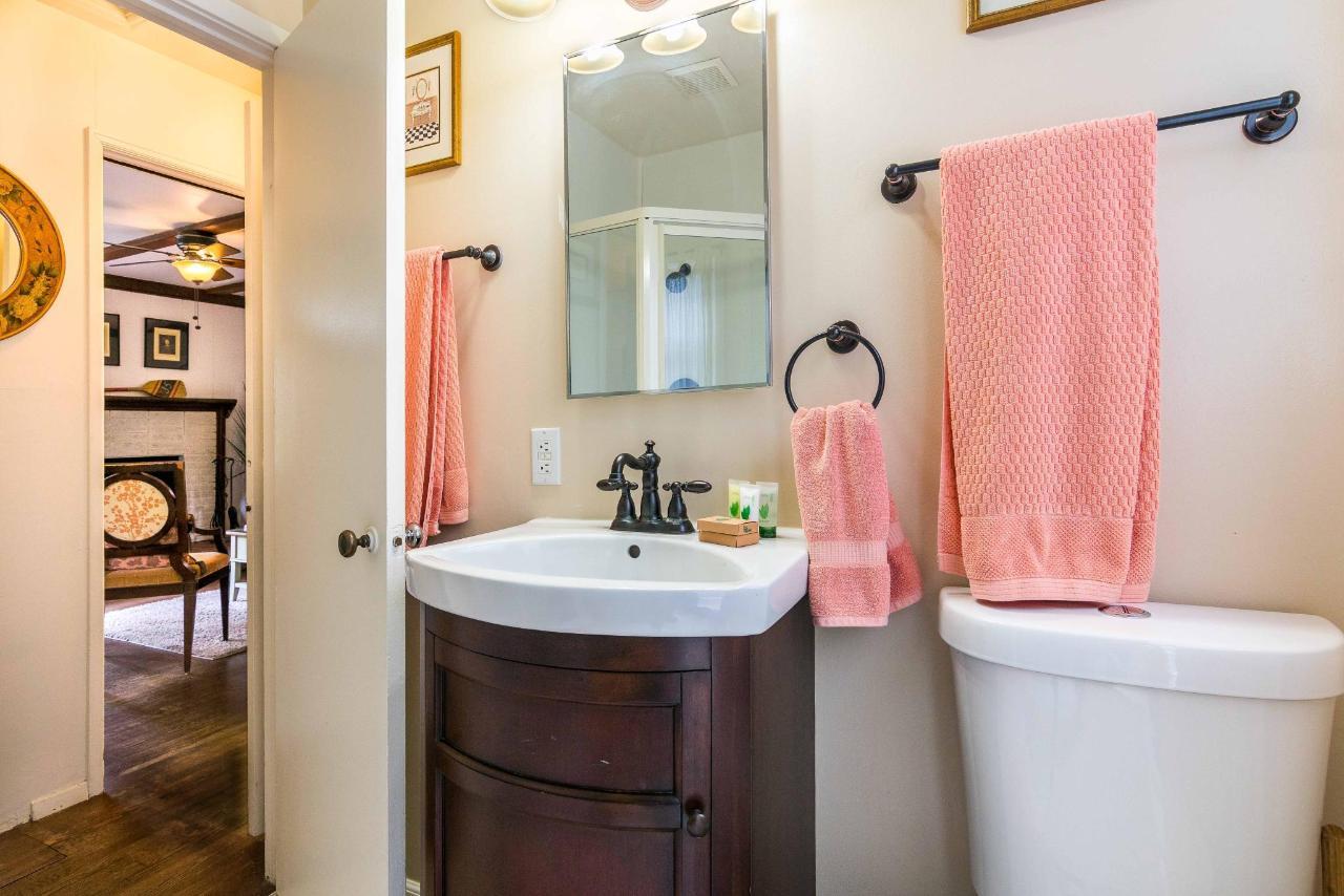 Sea Bright Bathroom.jpg