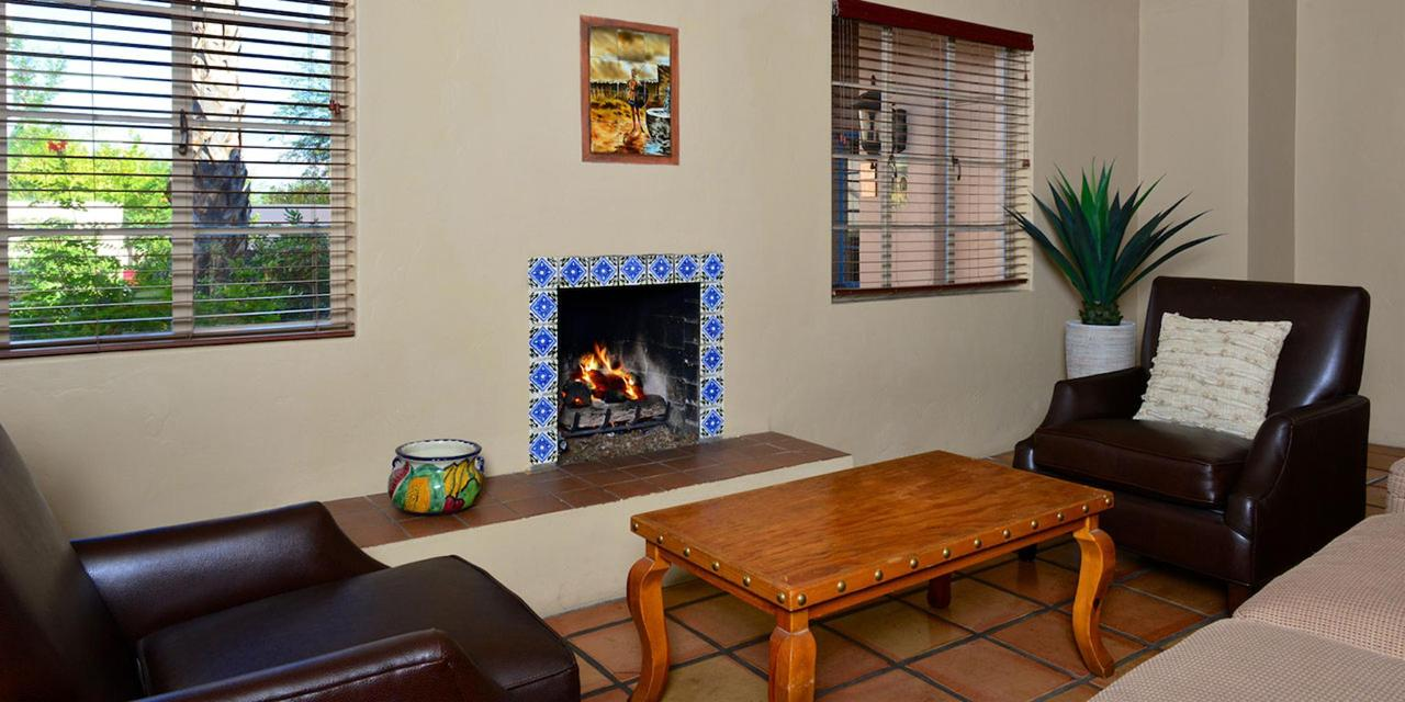 gallery-Fireside-Casita-sittingarea.jpg