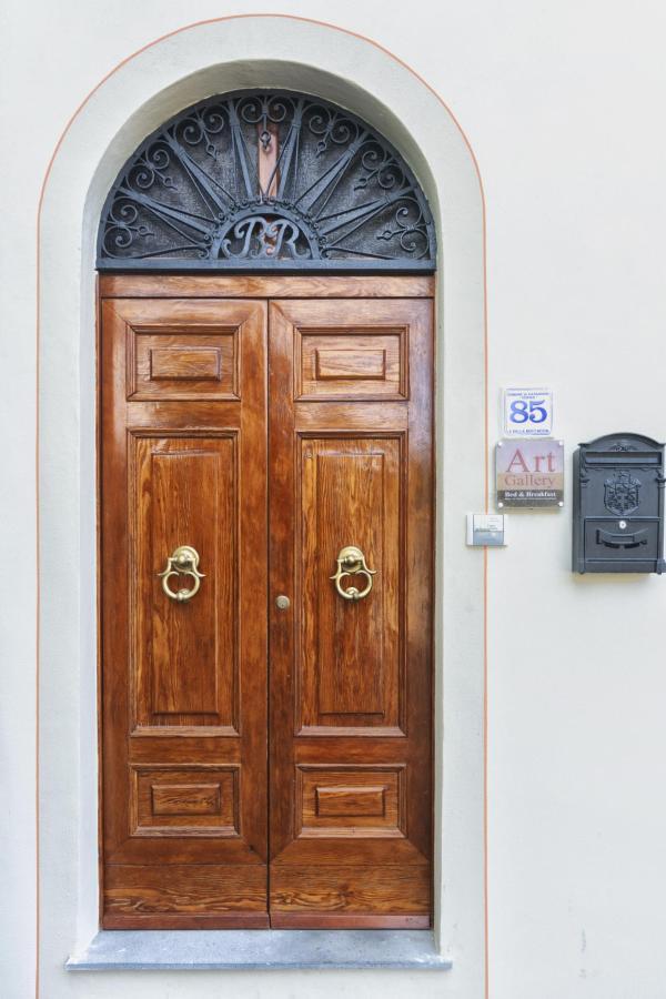 esterno porta ingresso.jpg