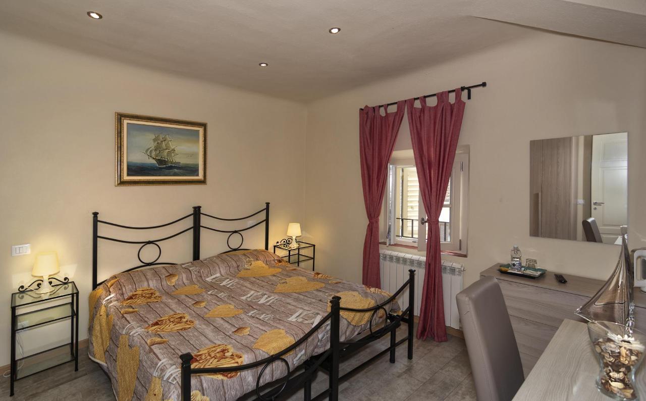 suite longanesi m 1.jpg