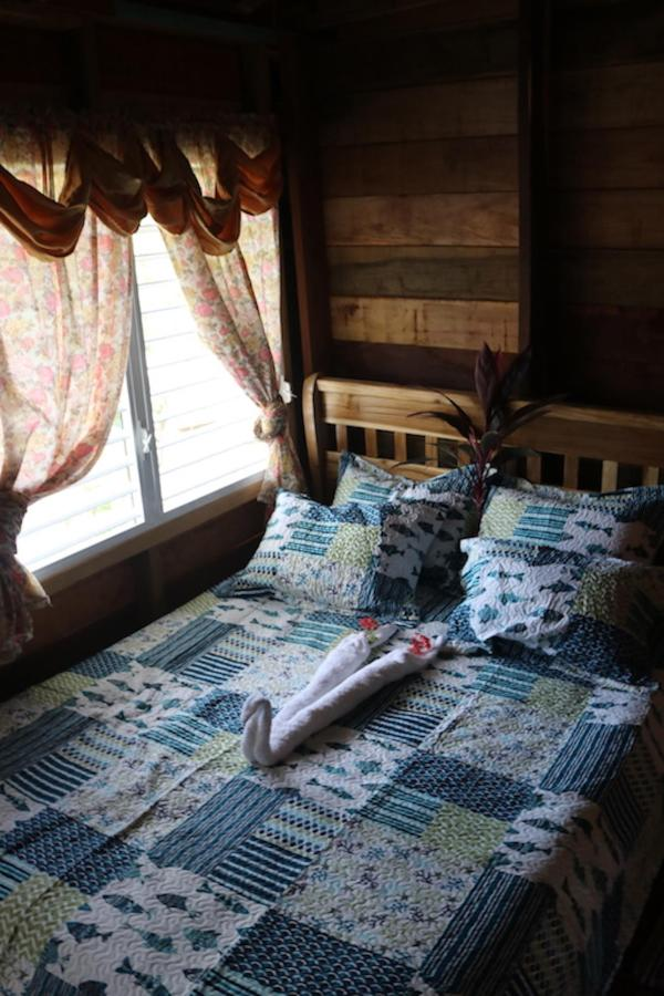 Isieini Room13.JPG