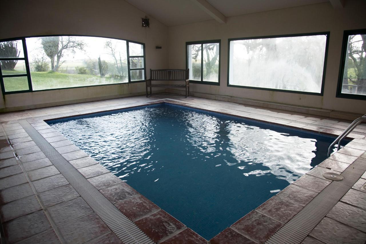 piscina interior (2).jpg