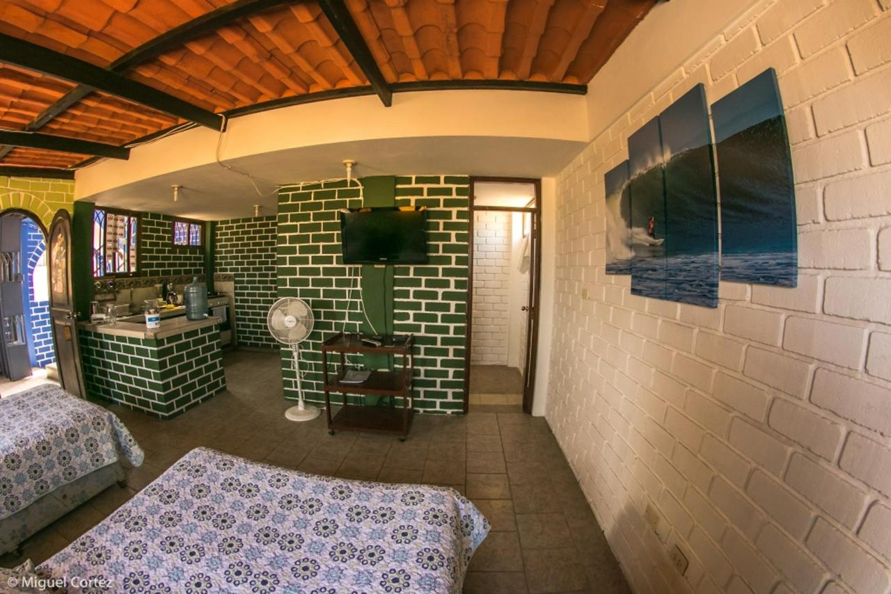 Surf Hotel Hospedaje El Mirador Pacasmayo Peru 4.4.jpg