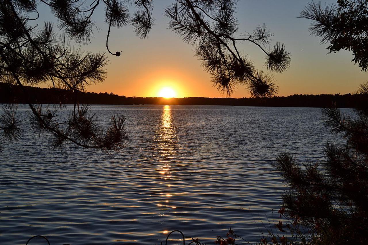 1200px-Sunset_-_Lake_Nebagamon,_Wisconsin.JPG