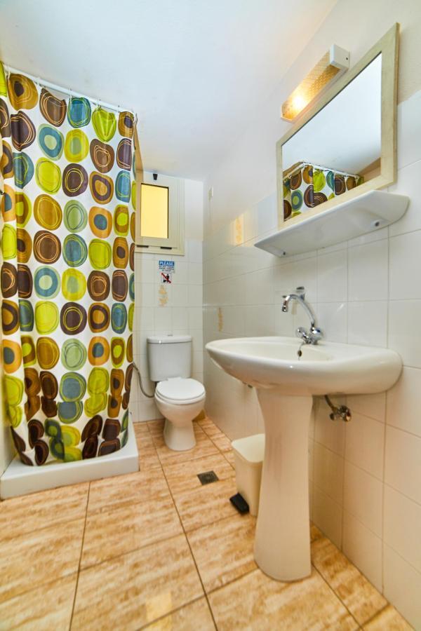 Bathroom (All room types).jpg