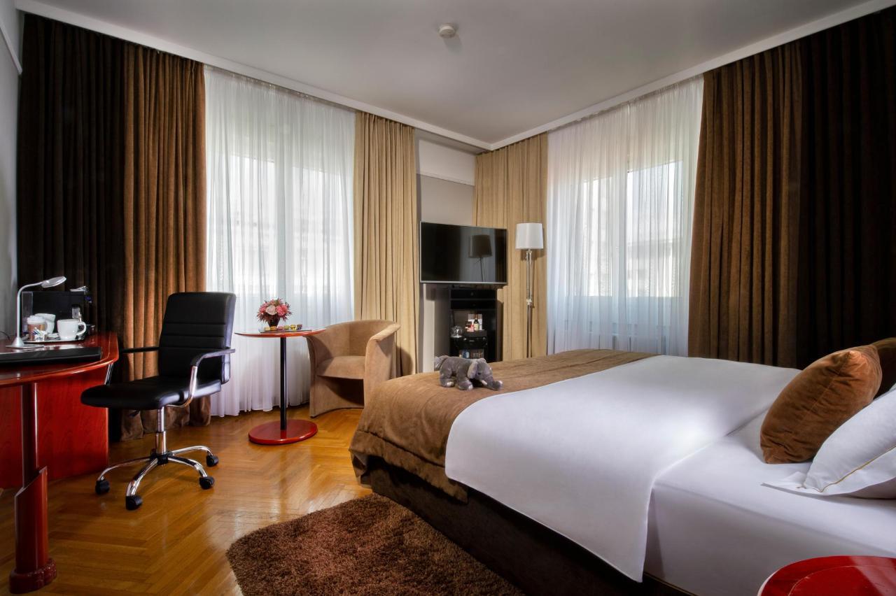 HotelSlon_ByZigaKoritnik2018_Deluxe room.jpg