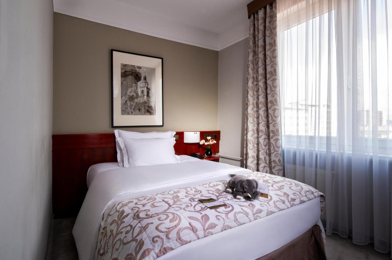 HotelSlon_ByZigaKoritnik2018_Economy room.jpg