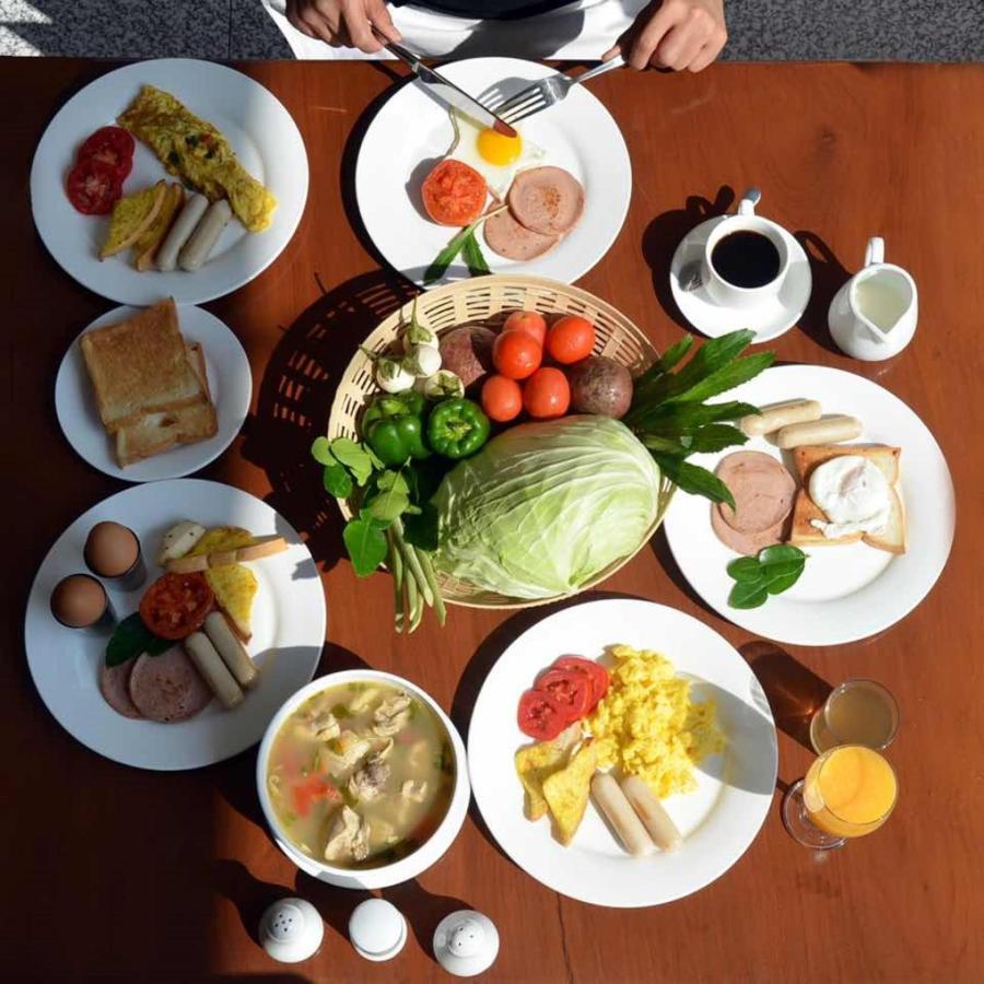 Dining (9).jpg