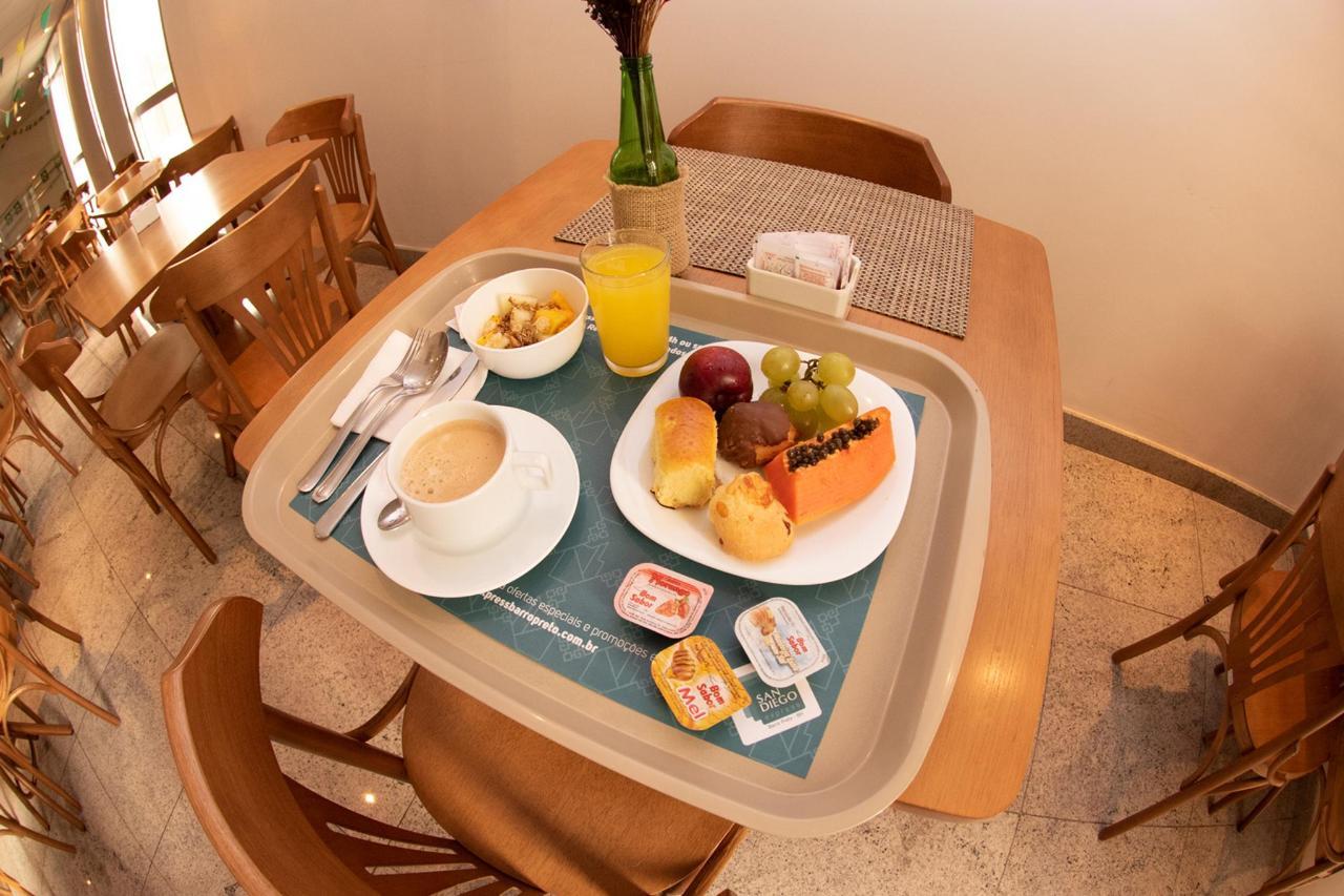 CAFE_05.jpg