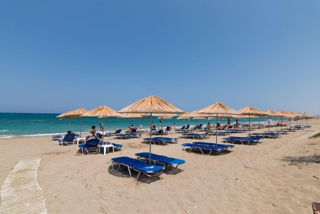 amoudara beach 1.jpg
