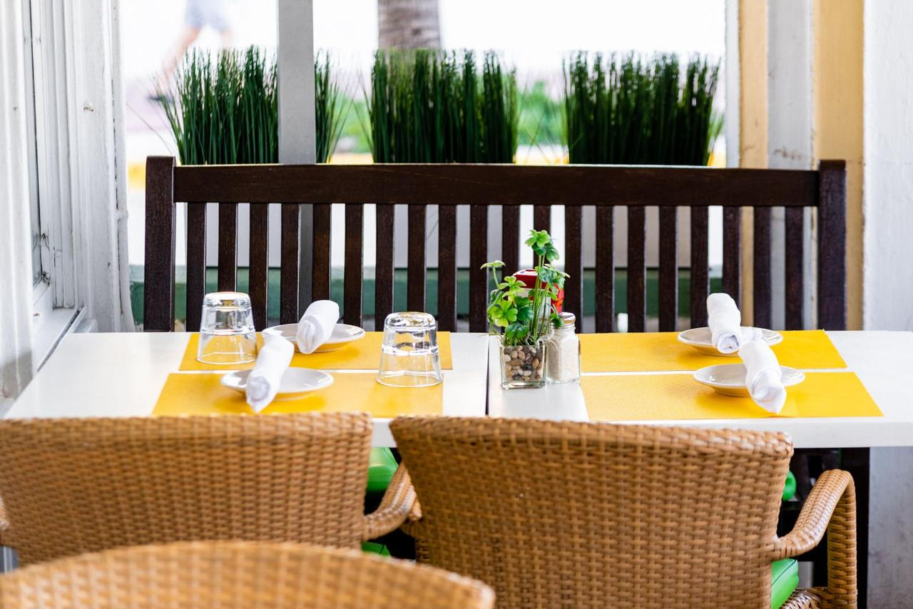 On Ocean 7 Cafe Patio Seating at Majestic Hotel South Beach.jpg