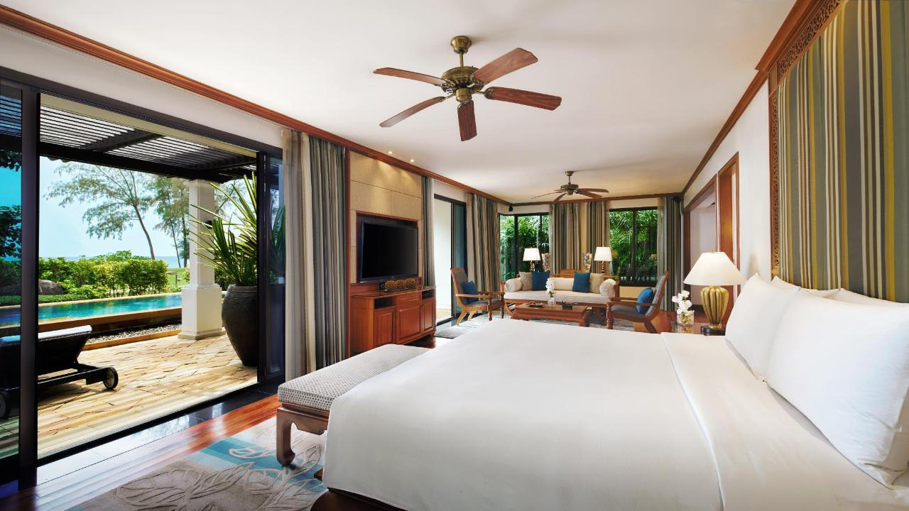JW Marriott Phuket - Onebedroom Oceanfront Pool Suite.jpg